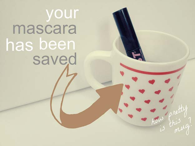 Best Beauty Hacks - Rescue a Dried Out Mascara - Easy Makeup Tutorials and Makeup Ideas for Teens, Beginners, Women, Teenagers - Cool Tips and Tricks for Mascara, Lipstick, Foundation, Hair, Blush, Eyeshadow, Eyebrows and Eyes - Step by Step Tutorials and How To #beautyhacks #beautyideas #makeuptutorial #makeuphakcs #makeup #hair #teens