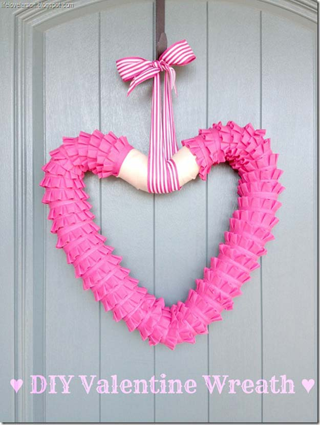 DIY Valentine Decor Ideas   DIY Valentine Wreath   Cute And Easy Home Decor  Projects For