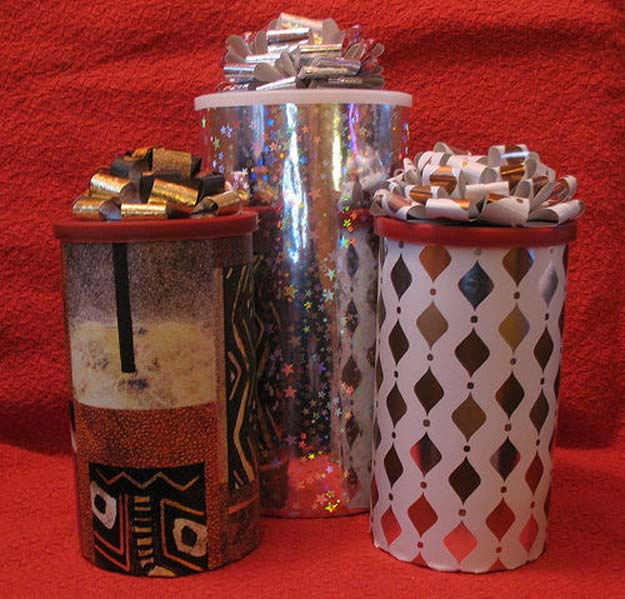 Cool Things to Make With Leftover Wrapping Paper - Cool Recycled Gift Canister- Easy Crafts, Fun DIY Projects, Gifts and DIY Home Decor Ideas - Don't Trash The Christmas Wrapping Paper and Learn How To Make These Awesome Ideas Instead - Creative Craft Ideas for Teens, Tweens, Teenagers, Boys and Girls http://diyprojectsforteens.com/diy-projects-wrapping-paper