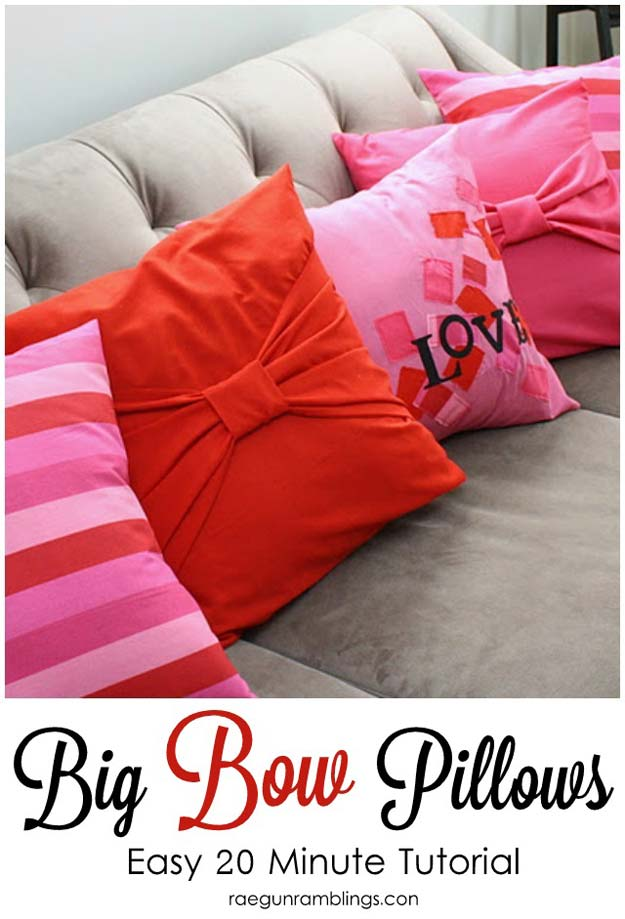 Cool DIY Room Decor Ideas in Red - DIY Big Bow Pillow Cases - Creative Home Decor, Wall Art and Bedroom Crafts to Accent Your Red Room - Creative Craft Projects and Quick Arts and Crafts Ideas for Teens and Adults - Easy Ways To Decorate on A Budget http://diyprojectsforteens.com/diy-room-decor-red