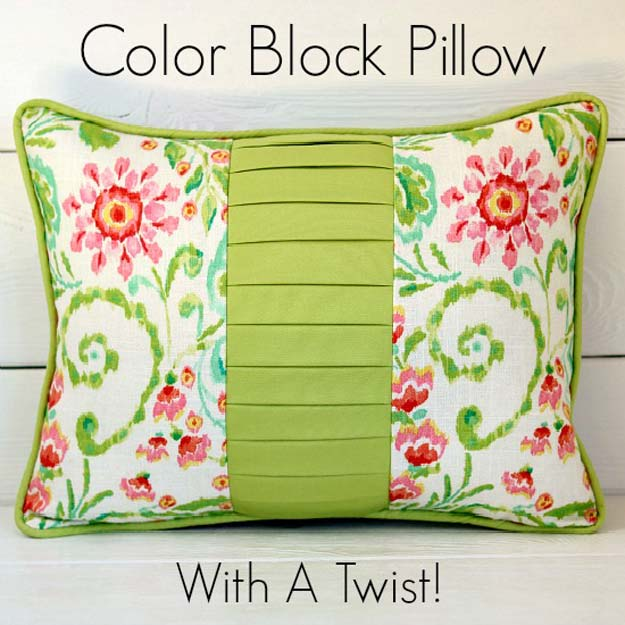 Cool DIY Ideas for Your Bed - DIY Color Block Pillow with a Twist - Fun Bedding, Pillows, Blankets, Home Decor and Crafts to Make Your Bedroom Awesome - Easy Step by Step Tutorials for Making A T-Shirt Pillow, Knit Throws, Fuzzy and Furry Warm Blankets and Handmade DYI Bedding, Sheets, Bedskirts and Shams http://diyprojectsforteens.com/diy-projects-bedding-teens