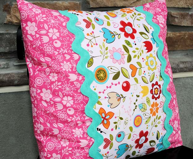DIY Pillows and Fun Pillow Projects - DIY Envelope Pillow Tutorial - Creative Decorative Cases & 45 Fun DIY pillows - DIY Projects for Teens pillowsntoast.com