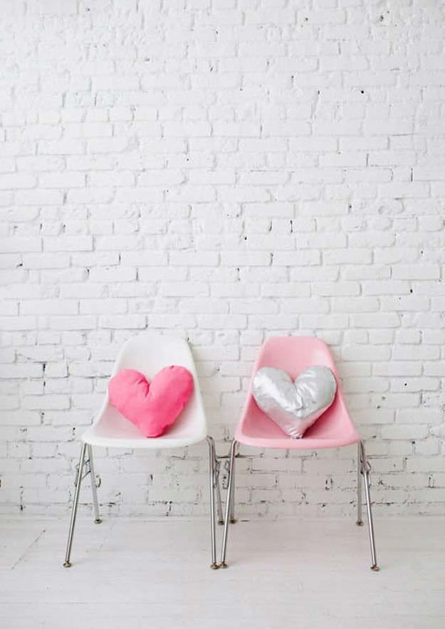 Pink DIY Room Decor Ideas - DIY Heart Pillows - Cool Pink Bedroom Crafts and Projects for Teens, Girls, Teenagers and Adults - Best Wall Art Ideas, Room Decorating Project Tutorials, Rugs, Lighting and Lamps, Bed Decor and Pillows #teencrafts #roomdecor #pink