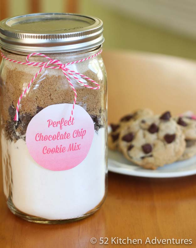Best Mason Jar Cookies - DIY Perfect Chocolate Chip Cookie Mix in a Jar - Mason Jar Cookie Recipe Mix for Cute Decorated DIY Gifts - Easy Chocolate Chip Recipes, Christmas Presents and Wedding Favors in Mason Jars - Fun Ideas for DIY Parties, Easy Recipes for Teens, Teenagers, Kids and Teens - Cheap Last Mintue Gift Ideas for Friends, Family and Neighbors