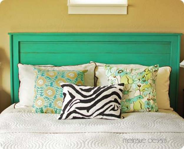 Cool DIY Ideas for Your Bed - DIY Reclaimed-Wood Headboard - Fun Bedding, Pillows, Blankets, Home Decor and Crafts to Make Your Bedroom Awesome - Easy Step by Step Tutorials for Making A T-Shirt Pillow, Knit Throws, Fuzzy and Furry Warm Blankets and Handmade DYI Bedding, Sheets, Bedskirts and Shams http://diyprojectsforteens.com/diy-projects-bedding-teens