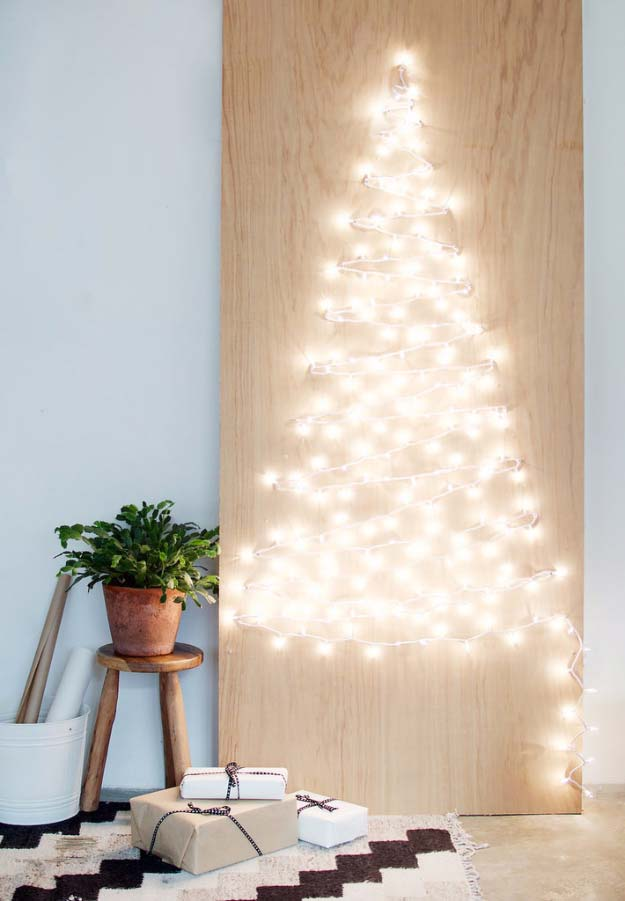 Cool Ways To Use Christmas Lights - DIY String Light Christmas Tree - Best Easy DIY Ideas for String Lights for Room Decoration, Home Decor and Creative DIY Bedroom Lighting - Creative Christmas Light Tutorials with Step by Step Instructions - Creative Crafts and DIY Projects for Teens, Teenagers and Adults #diyideas #stringlights #diydecor #teencrafts