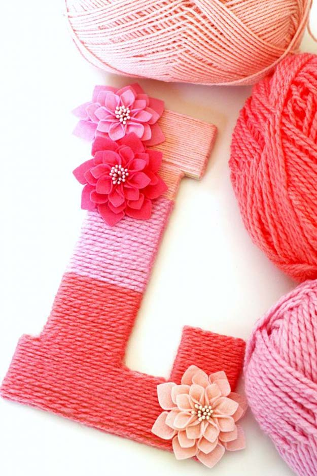 Cool DIY Room Decor Ideas in Red - DIY Yarn-Wrapped Ombre Monogrammed Letter - Creative Home Decor, Wall Art and Bedroom Crafts to Accent Your Red Room - Creative Craft Projects and Quick Arts and Crafts Ideas for Teens and Adults - Easy Ways To Decorate on A Budget http://diyprojectsforteens.com/diy-room-decor-red