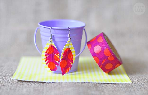 Washi Tape Crafts - Feather Washi and Paper - Wall Art, Frames, Cards, Pencils, Room Decor and DIY Gifts, Back To School Supplies - Creative, Fun Craft Ideas for Teens, Tweens and Teenagers - Step by Step Tutorials and Instructions http://diyprojectsforteens.com/washi-tape-crafts