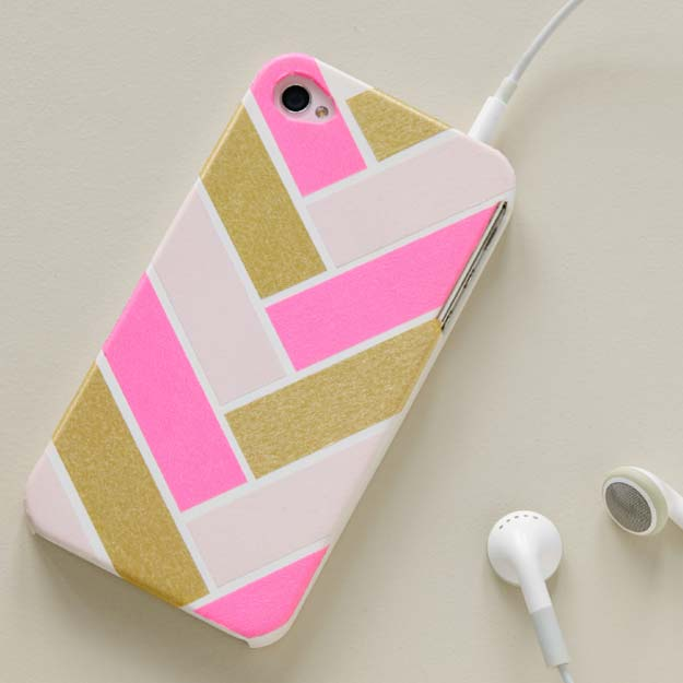 Washi Tape Crafts - Herringbone Cell Phone Cover - DIY Projects Made With Washi Tape - Wall Art, Frames, Cards, Pencils, Room Decor and DIY Gifts, Back To School Supplies - Creative, Fun Craft Ideas for Teens, Tweens and Teenagers - Step by Step Tutorials and Instructions http://diyprojectsforteens.com/washi-tape-ideas
