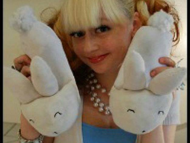 Cool Crafts Made With Old Socks - How To Make Bunny Slippers Out of Old Socks - Fun DIY Projects and Gifts You Can Make With A Sock - Easy DIY Ideas for Teens, Teenagers, Kids and Adults - Step by Step Tutorials and Instructions for Making Room Decor, Animals, Cat, Rabbit, Owl, Puppets, Snowman, Gloves http://diyprojectsforteens.com/diy-crafts-ideas-socks