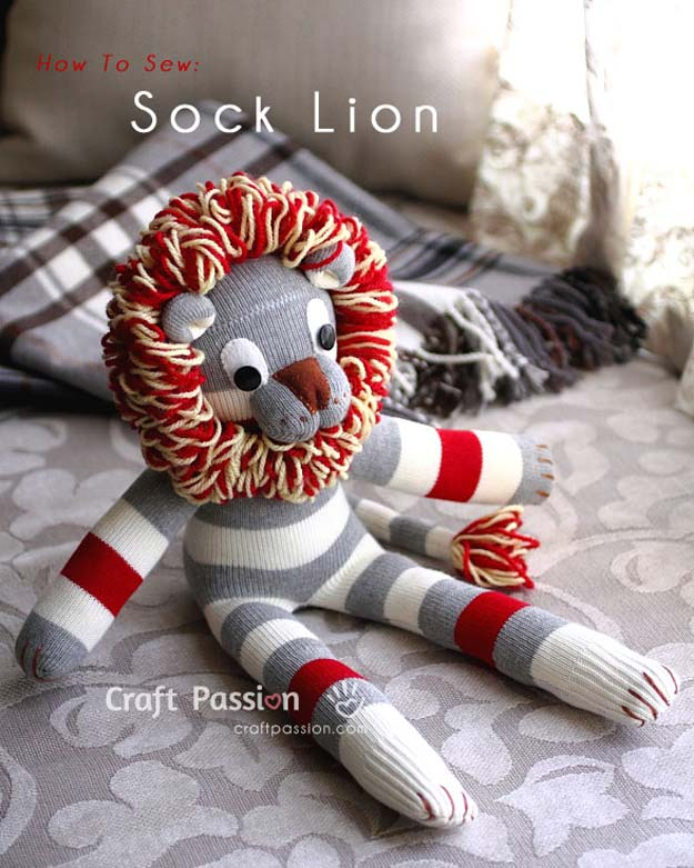 Cool Crafts Made With Old Socks - How To Sew Sock Lion - Fun DIY Projects and Gifts You Can Make With A Sock - Easy DIY Ideas for Teens, Teenagers, Kids and Adults - Step by Step Tutorials and Instructions for Making Room Decor, Animals, Cat, Rabbit, Owl, Puppets, Snowman, Gloves http://diyprojectsforteens.com/diy-crafts-ideas-socks