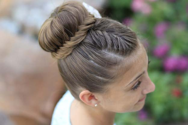 Best Hair Braiding Tutorials - Lace Fishtail Bun - Easy Step by Step Tutorials for Braids - How To Braid Fishtail, French Braids, Flower Crown, Side Braids, Cornrows, Updos - Cool Braided Hairstyles for Girls, Teens and Women - School, Day and Evening, Boho, Casual and Formal Looks #hairstyles #braiding #braidingtutorials #diyhair