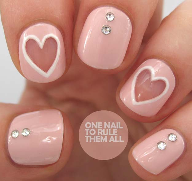 Valentine Nail Art Ideas - Negative Space Nails - Cute and Cool Looks For Valentines Day Nails - Hearts, Gradients, Red, Black and Pink Designs - Easy Ideas for DIY Manicures with Step by Step Tutorials - Fun Ideas for Teens, Teenagers and Women http://diyprojectsforteens.com/valentine-nail-art-ideas