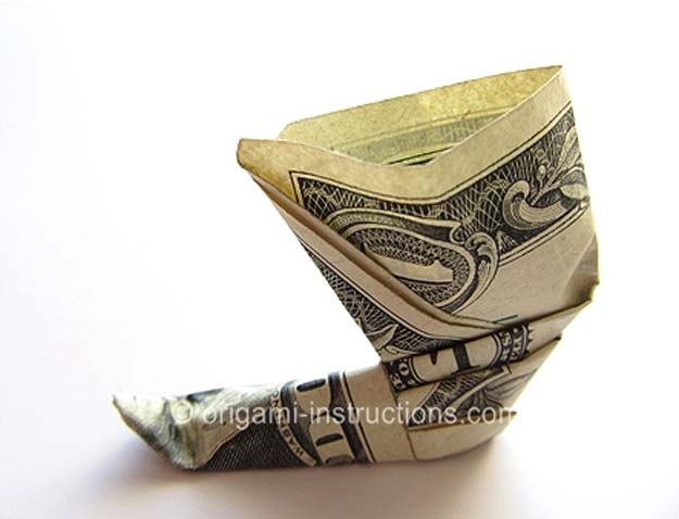 DIY Money Origami - Pixie Shoe - Step by Step Tutorials for Star, Flower, Heart, Buttlerfly, Animals. Tree, Letters, Bow and Boxes - Cute DIY Gift Ideas for Birthday and Christmas Cards - DIY Projects and Crafts for Teens #teencrafts #origami #moneyorigami