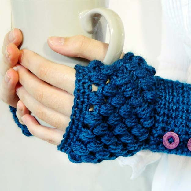 Crochet Patterns and Projects for Teens - Puff Stitch Fingerless Gloves Crochet Pattern - Best Free Patterns and Tutorials for Crocheting Cute DIY Gifts, Room Decor and Accessories - How To for Beginners - Learn How To Make a Headband, Scarf, Hat, Animals and Clothes DIY Projects and Crafts for Teenagers #crochet #crafts #teencrafts #freecrochet #crochetpatterns