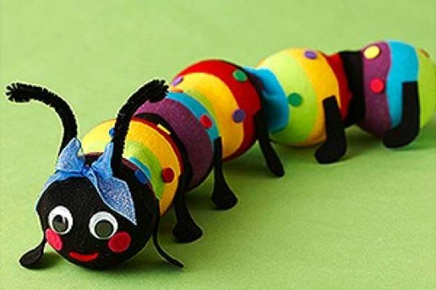 Cool Crafts Made With Old Socks - Sock Caterpillar - Fun DIY Projects and Gifts You Can Make With A Sock - Easy DIY Ideas for Teens, Teenagers, Kids and Adults - Step by Step Tutorials and Instructions for Making Room Decor, Animals, Cat, Rabbit, Owl, Puppets, Snowman, Gloves