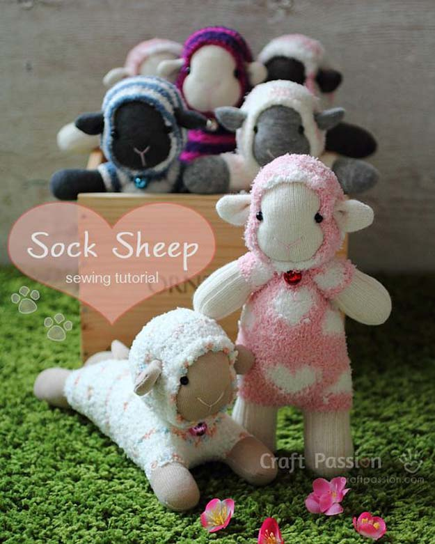 Cool Crafts Made With Old Socks - Sock Sheep Patern - Fun DIY Projects and Gifts You Can Make With A Sock - Easy DIY Ideas for Teens, Teenagers, Kids and Adults - Step by Step Tutorials and Instructions for Making Room Decor, Animals, Cat, Rabbit, Owl, Puppets, Snowman, Gloves