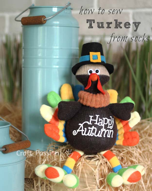 Cool Crafts Made With Old Socks - Sock Turkey Patern - Fun DIY Projects and Gifts You Can Make With A Sock - Easy DIY Ideas for Teens, Teenagers, Kids and Adults - Step by Step Tutorials and Instructions for Making Room Decor, Animals, Cat, Rabbit, Owl, Puppets, Snowman, Gloves