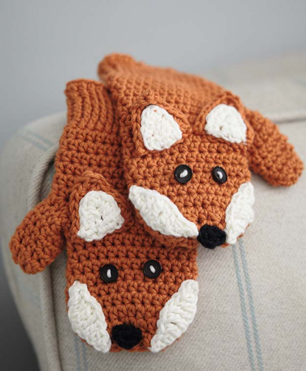 Crochet Patterns and Projects for Teens - Fox Mittens - Best Free Patterns and Tutorials for Crocheting Cute DIY Gifts, Room Decor and Accessories - How To for Beginners - Learn How To Make a Headband, Scarf, Hat, Animals and Clothes DIY Projects and Crafts for Teenagers #crochet #crafts #teencrafts #freecrochet #crochetpatterns