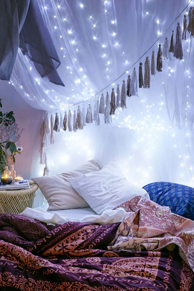 Cool DIY Ideas for Your Bed - Tumblr Inspired Canopy - Fun Bedding, Pillows, Blankets, Home Decor and Crafts to Make Your Bedroom Awesome - Easy Step by Step Tutorials for Making A T-Shirt Pillow, Knit Throws, Fuzzy and Furry Warm Blankets and Handmade DYI Bedding, Sheets, Bedskirts and Shams http://diyprojectsforteens.com/diy-projects-bedding-teens
