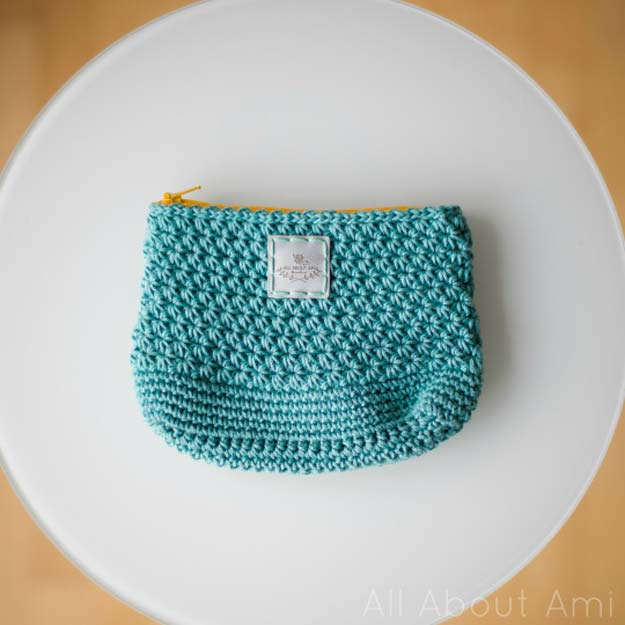 Crochet Patterns and Projects for Teens - Star Stitch Pouch - Best Free Patterns and Tutorials for Crocheting Cute DIY Gifts, Room Decor and Accessories - How To for Beginners - Learn How To Make a Headband, Scarf, Hat, Animals and Clothes DIY Projects and Crafts for Teenagers #crochet #crafts #teencrafts #freecrochet #crochetpatterns