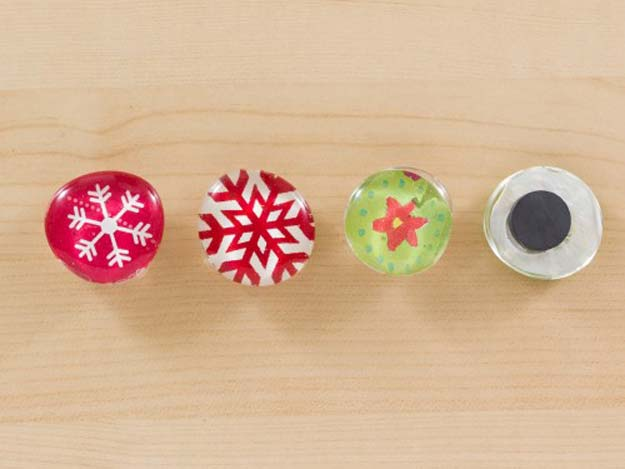 Cool Things to Make With Leftover Wrapping Paper - Cute Magnets- Easy Crafts, Fun DIY Projects, Gifts and DIY Home Decor Ideas - Don't Trash The Christmas Wrapping Paper and Learn How To Make These Awesome Ideas Instead - Creative Craft Ideas for Teens, Tweens, Teenagers, Boys and Girls http://diyprojectsforteens.com/diy-projects-wrapping-paper