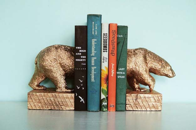 Gold DIY Projects and Crafts - Gilded Polar Bear Bookends - Easy Room Decor, Wall Art and Accesories in Gold - Spray Paint, Painted Ideas, Creative and Cheap Home Decor - Projects and Crafts for Teens, Apartments, Adults and Teenagers