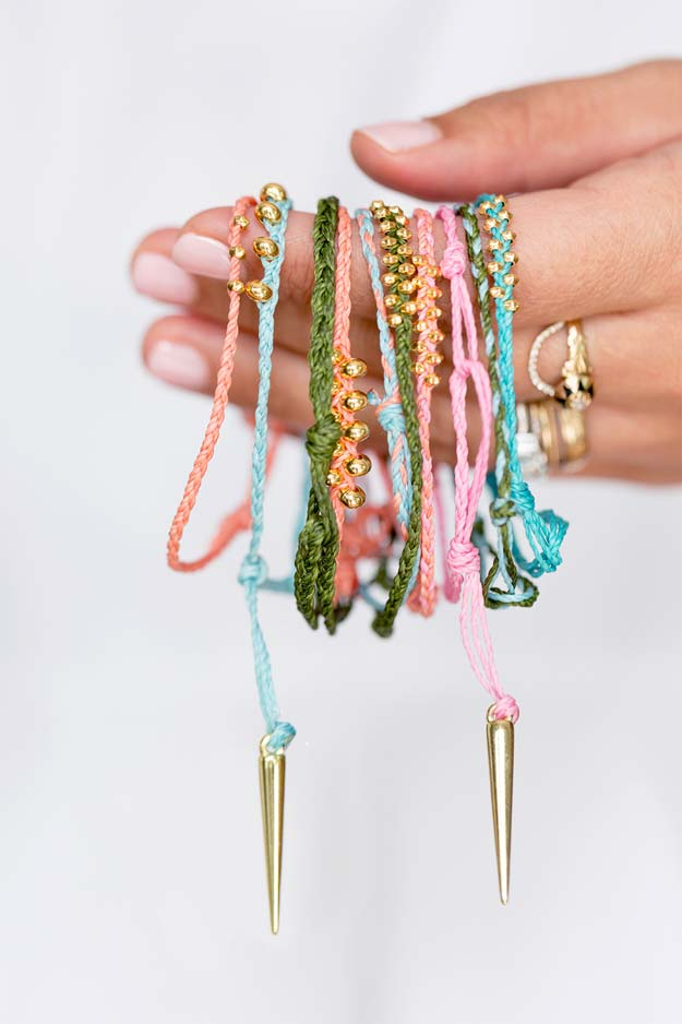 DIY Bracelets - Makers Kit Braided Bracelets - Cool Jewelry Making Tutorials for Making Bracelets at Home - Handmade Bracelet Crafts and Easy DIY Gift for Teens, Girls and Women - With String, Wire, Leather, Beaded, Bangle, Braided, Boho, Modern and Friendship - Cheap and Quick Homemade Jewelry Ideas