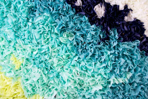 DIY Selfie Ideas - Ombre Tissue Paper Photobooth Backdrop - Cool Ideas for Photo Booth and Picture Station - Props, Light, Mirror, Board, Wall, Background and Tips for Shooting Best Selfies - DIY Projects and Crafts for Teens
