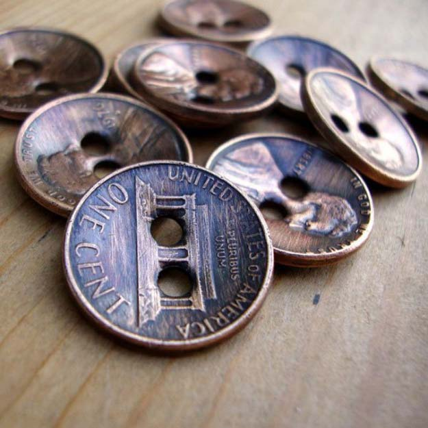 Cool DIYs Made With Pennies and Coins - Copper Penny Upcycled Into Buttons - Penny Walls, Floors, DIY Penny Table. Art With Pennies, Walls and Furniture Make With Money and Coins. Cool, Creative Tutorials, Home Decor and DIY Projects Made With Old Pennies - Cool DIY Projects and Crafts for Teens