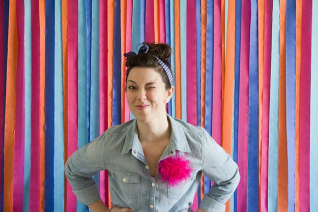 DIY Selfie Ideas - Photobooth Streamers Backdrop - Cool Ideas for Photo Booth and Picture Station - Props, Light, Mirror, Board, Wall, Background and Tips for Shooting Best Selfies - DIY Projects and Crafts for Teens