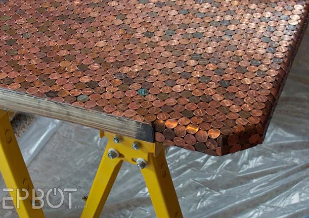 Cool DIYs Made With Pennies and Coins - Tiled Penny Desk - Penny Walls, Floors, DIY Penny Table. Art With Pennies, Walls and Furniture Make With Money and Coins. Cool, Creative Tutorials, Home Decor and DIY Projects Made With Old Pennies - Cool DIY Projects and Crafts for Teens http://diyprojectsforteens.com/diy-ideas-pennies