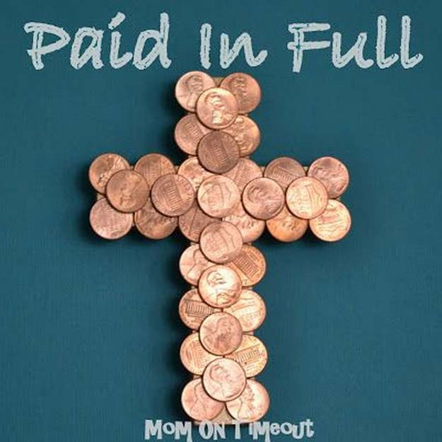 Cool DIYs Made With Pennies and Coins - Coin-Covered Cross - Penny Walls, Floors, DIY Penny Table. Art With Pennies, Walls and Furniture Make With Money and Coins. Cool, Creative Tutorials, Home Decor and DIY Projects Made With Old Pennies - Cool DIY Projects and Crafts for Teens