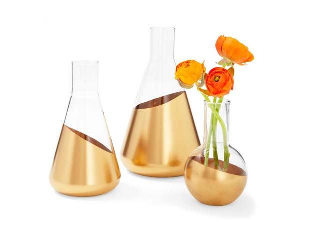Gold DIY Projects and Crafts - Dipped Vases - Easy Room Decor, Wall Art and Accesories in Gold - Spray Paint, Painted Ideas, Creative and Cheap Home Decor - Projects and Crafts for Teens, Apartments, Adults and Teenagers