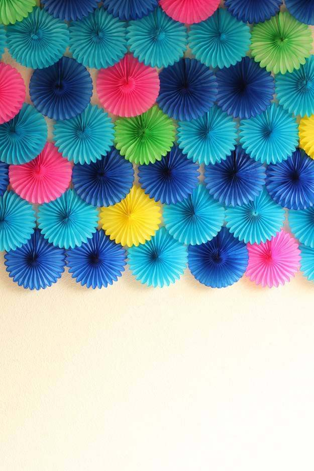 DIY Selfie Ideas - Colorful Pinwheels - Cool Ideas for Photo Booth and Picture Station - Props, Light, Mirror, Board, Wall, Background and Tips for Shooting Best Selfies - DIY Projects and Crafts for Teens