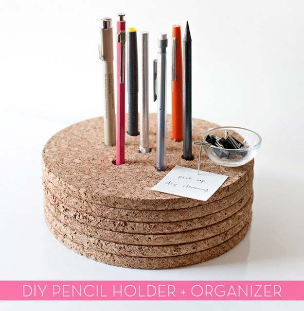 Fun DIY Ideas for Your Desk - Create Cork Pencil Holder - Cubicles, Ideas for Teens and Student - Cheap Dollar Tree Storage and Decor for Offices and Home - Cool DIY Projects and Crafts for Teens http://diyprojectsforteens.com/diy-ideas-desk