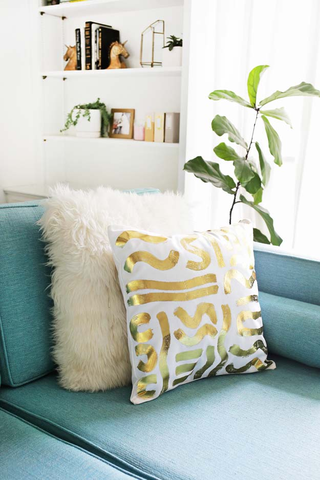 Gold DIY Projects and Crafts - Gold Foil Pillow - Easy Room Decor, Wall Art and Accesories in Gold - Spray Paint, Painted Ideas, Creative and Cheap Home Decor - Projects and Crafts for Teens, Apartments, Adults and Teenagers http://diyprojectsforteens.com/diy-projects-gold