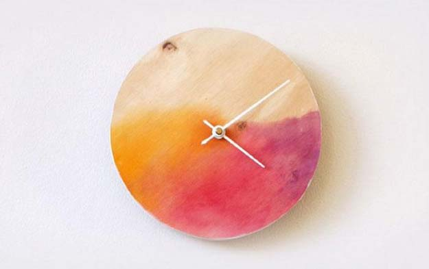Crafts to Make and Sell - Watercolour Clock - Easy Step by Step Tutorials for Fun, Cool and Creative Ways for Teenagers to Make Money Selling Stuff - Room Decor, Accessories, Gifts and More http://diyprojectsforteens.com/diy-crafts-to-make-and-sell