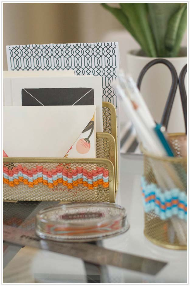 Fun DIY Ideas for Your Desk - Last Stitch Effort - Cubicles, Ideas for Teens and Student - Cheap Dollar Tree Storage and Decor for Offices and Home - Cool DIY Projects and Crafts for Teens http://diyprojectsforteens.com/diy-ideas-desk