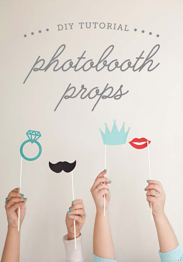 DIY Selfie Ideas - Photobooth Stick Props - Cool Ideas for Photo Booth and Picture Station - Props, Light, Mirror, Board, Wall, Background and Tips for Shooting Best Selfies - DIY Projects and Crafts for Teens