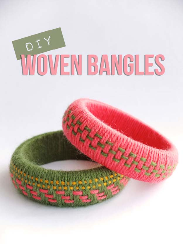 Crafts to Make and Sell - Woven Yarn Bangles - Easy Step by Step Tutorials for Fun, Cool and Creative Ways for Teenagers to Make Money Selling Stuff - Room Decor, Accessories, Gifts and More http://diyprojectsforteens.com/diy-crafts-to-make-and-sell