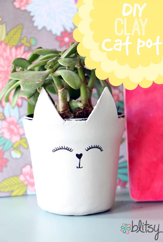 DIY Room Decor Ideas in Black and White - Cats and Plants - Creative Home Decor and Room Accessories - Cheap and Easy Projects and Crafts for Wall Art, Bedding, Pillows, Rugs and Lighting - Fun Ideas and Projects for Teens, Apartments, Adutls and Teenagers