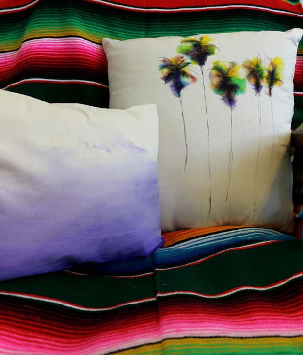 33-Zero-Effort-Tie-Dye-Pillows