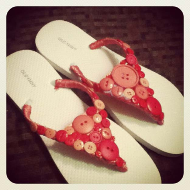 DIY Sandals and Flip Flops - Button Flip-flops - Creative, Cool and Easy Ways to Make or Update Your Shoes - Decorate Flip Flops with Cheap Dollar Store Crafts and Ideas - Beaded, Leather, Strappy and Painted Sandal Projects - Fun DIY Projects and Crafts for Teens and Teenagers http://diyprojectsforteens.com/diy-sandals