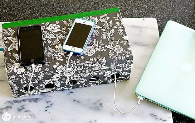 Fun DIY Ideas for Your Desk - Charging Station - Cubicles, Ideas for Teens and Student - Cheap Dollar Tree Storage and Decor for Offices and Home - Cool DIY Projects and Crafts for Teens http://diyprojectsforteens.com/diy-ideas-desk