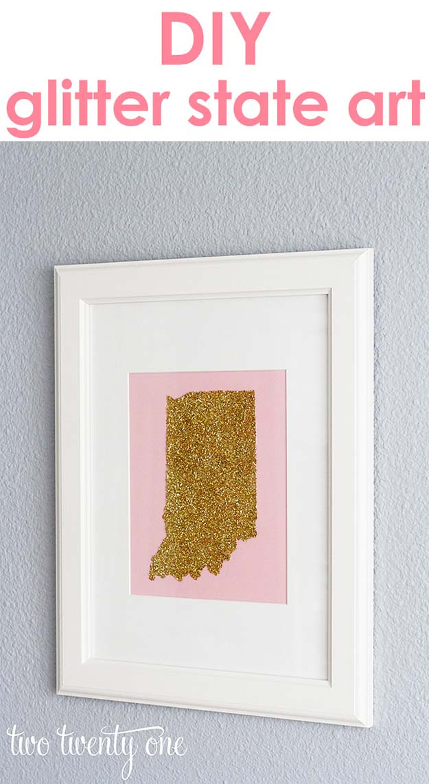 Gold DIY Projects and Crafts - Glitter State Art - Easy Room Decor, Wall Art and Accesories in Gold - Spray Paint, Painted Ideas, Creative and Cheap Home Decor - Projects and Crafts for Teens, Apartments, Adults and Teenagers http://diyprojectsforteens.com/diy-projects-gold