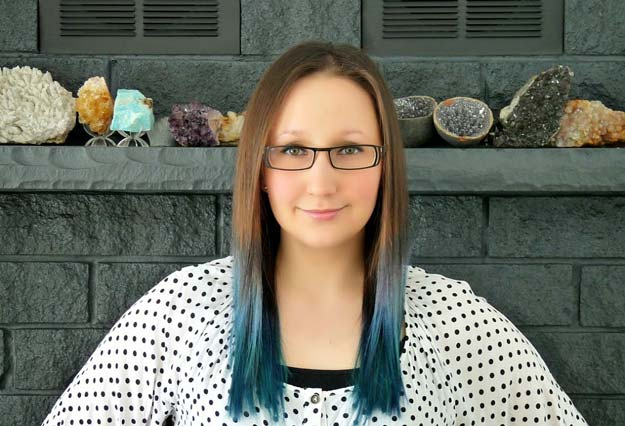 Creative DIY Hair Tutorials - Blue Ombré Hair - Color, Rainbow, Galaxy and Unique Styles for Long, Short and Medium Hair - Braids, Dyes, Instructions for Teens and Women #hairstyles #hairideas #beauty #teens #easyhairstyles
