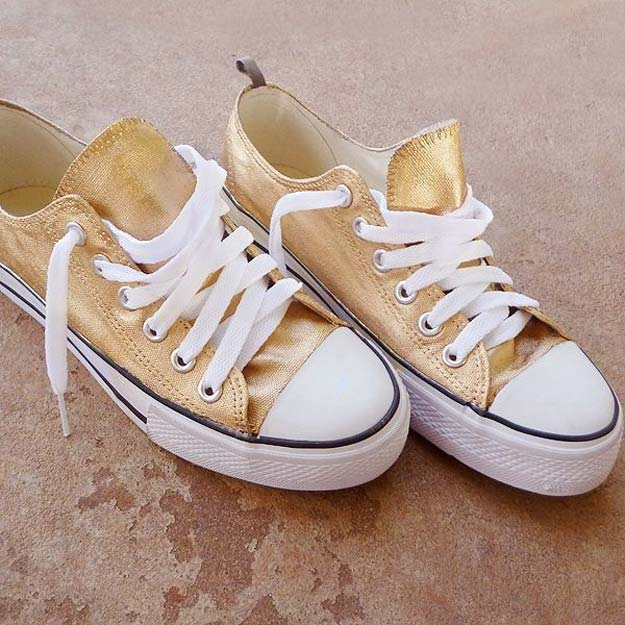 Gold DIY Projects and Crafts - Make Sneakers 24K Gold - Easy Room Decor, Wall Art and Accesories in Gold - Spray Paint, Painted Ideas, Creative and Cheap Home Decor - Projects and Crafts for Teens, Apartments, Adults and Teenagers