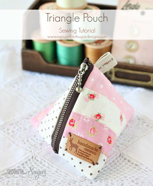 Crafts to Make and Sell - Triangle Pouch - Easy Step by Step Tutorials for Fun, Cool and Creative Ways for Teenagers to Make Money Selling Stuff - Room Decor, Accessories, Gifts and More http://diyprojectsforteens.com/diy-crafts-to-make-and-sell