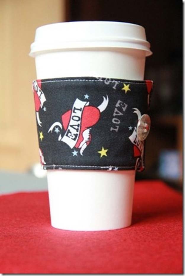 Crafts to Make and Sell - Reversible Coffee Cup Sleeves - Easy Step by Step Tutorials for Fun, Cool and Creative Ways for Teenagers to Make Money Selling Stuff - Room Decor, Accessories, Gifts and More http://diyprojectsforteens.com/diy-crafts-to-make-and-sell